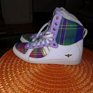 Creative reaction sneakers